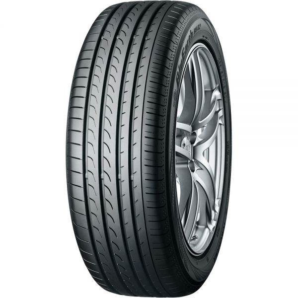 235/65R17 YOKOHAMA BluEarth RV02 108V